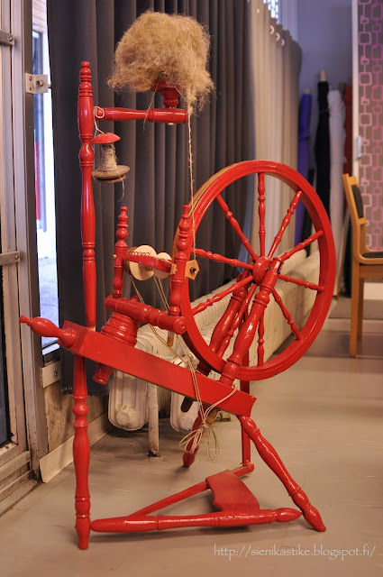 rukki, spinning wheel
