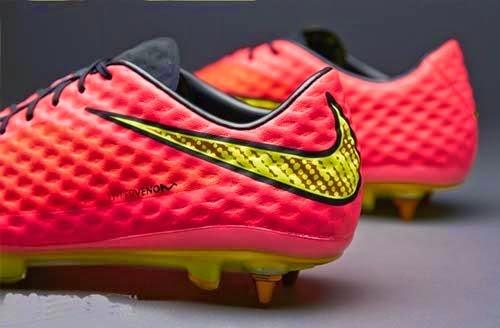 Nike hypervenom phantom SG Pro football boots