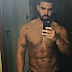 Ladies, take a moment to swoon. Drake shares sexy pic