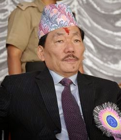 Sikkim chief minister Pawan Chamling will be arriving in Darjeeling to pay his last respect to his 'friend' and GNLF chief Subash Ghishing who died on Thursday.