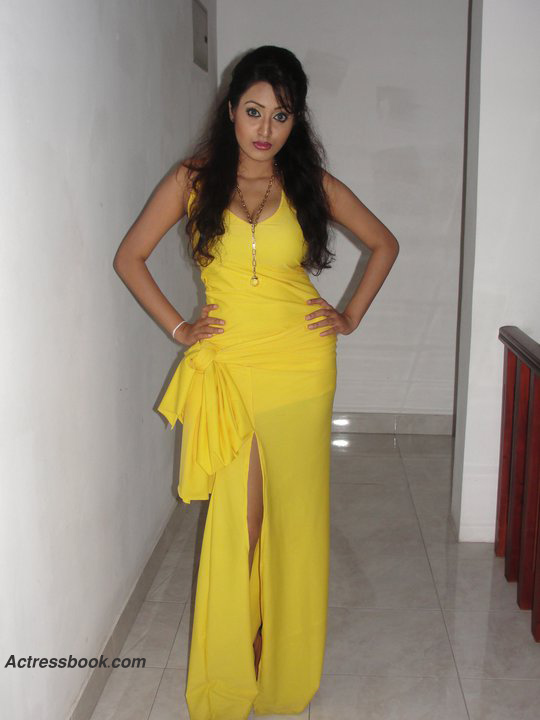 Madhavi Kaushalya Sri Lankan Hot Model and TV Presenter Latest Photo Shoot Gallery hot images
