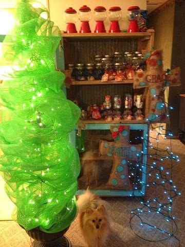 recycle a tomato cage into a mesh christmas tree - Tomato Cage Christmas Tree With Mesh