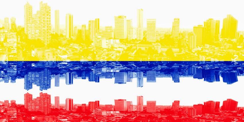 Bandera colombiana. Panorámica del centro de Bogotá DC       Colombian flag. Downtown of Bogotá CD