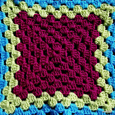 Granny Square Baby Blanket - Free Crochet Pattern