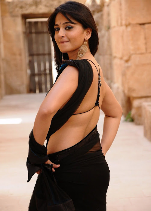 anushka bare back in black saree latest photos