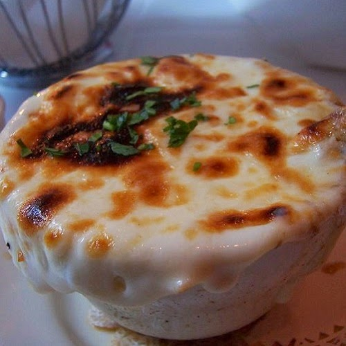 http://secretcopycatrestaurantrecipes.com/outback-steakhouse-walkabout-onion-soup-recipe/