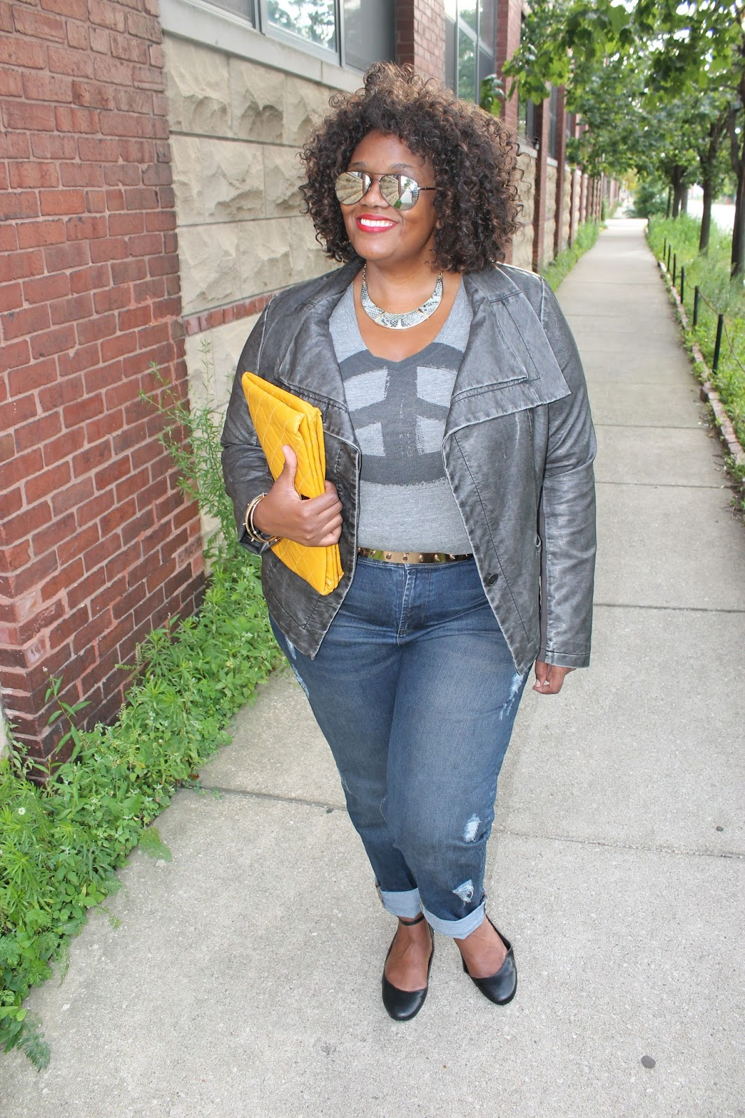 How I {Rock} My Plus Size Boyfriend Jeans: Look Two | Curvatude ...
