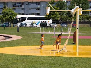 Cubos giratorios parque acuático Vila Nova de Cerveira