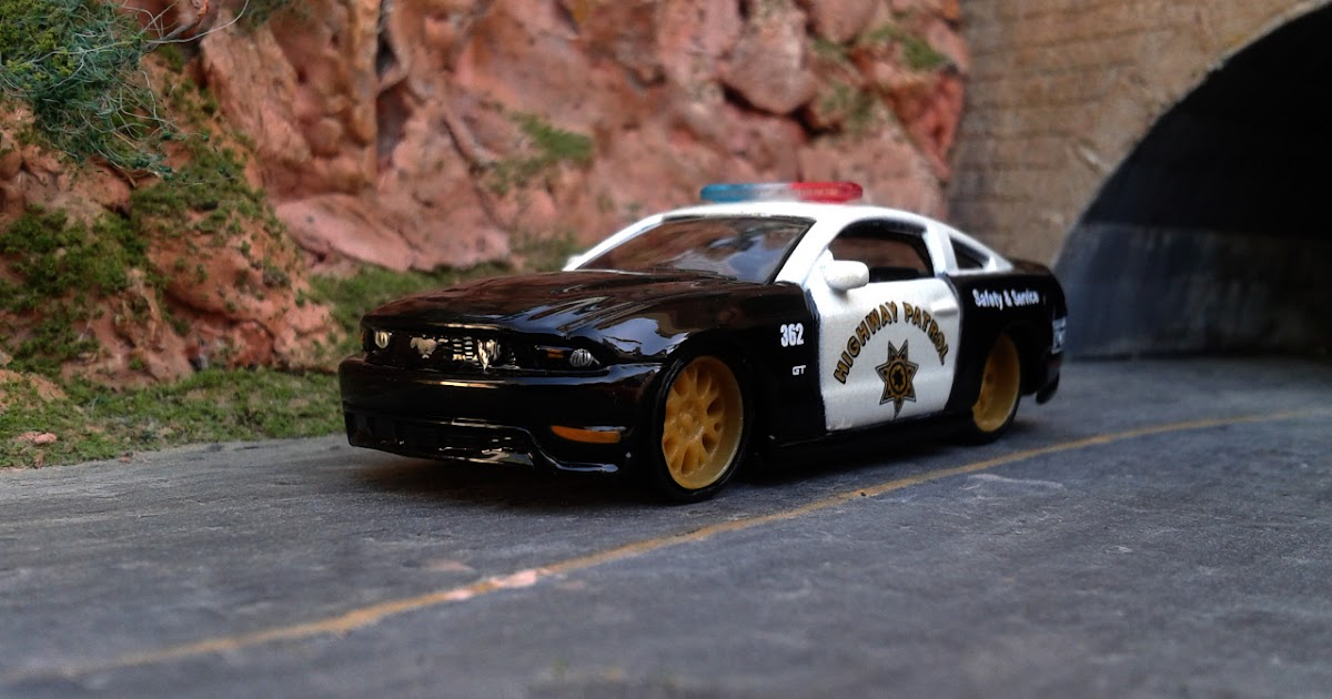 Diecast Cars Habitat Ford Mustang Gt 2010 Police Car