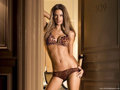 Alessandra Ambrosio Hot HD Wallpaper