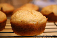 http://foodiefelisha.blogspot.com/2012/09/healthy-breakfast-oat-muffins-no-flour.html