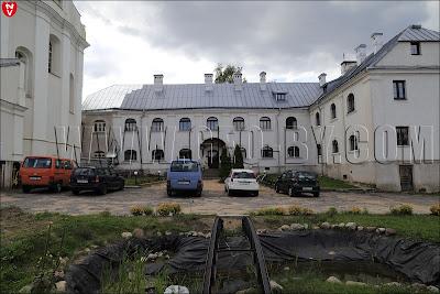 Костёл Святого Архангела Михаила и монастырь францисканцев. Жилой корпус