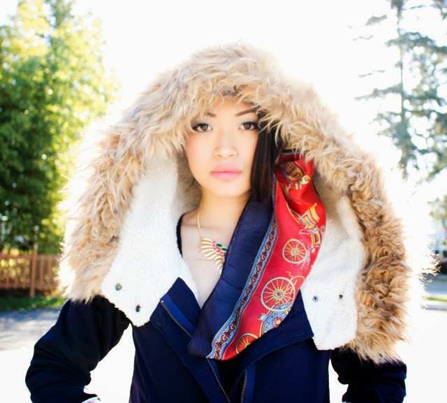 Vancouver fashion blogger jasmine zhu wearing ROMWE Hooded Pocketed Navy Coat