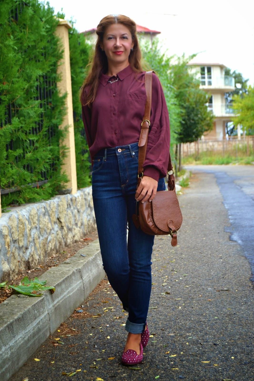 burgundy shirt look