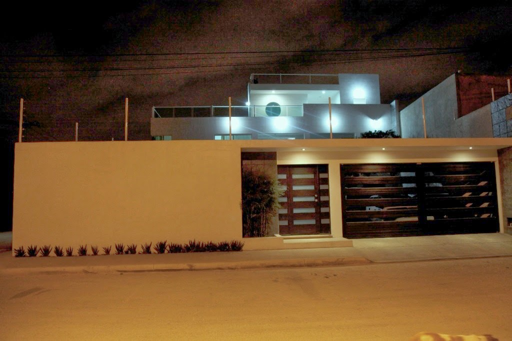 Fachadas minimalistas marzo 2014 for Frentes de casas minimalistas
