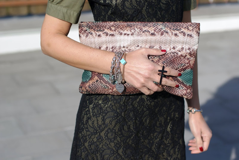 Cross ring, python clutch