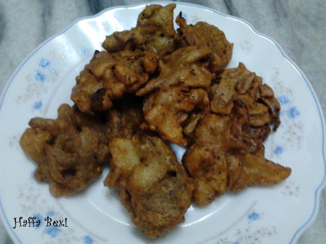Pakoray|Gram flour pakoras| Besan k pakoray| Aalo| Pyaaz,appetizers, Gram flour,