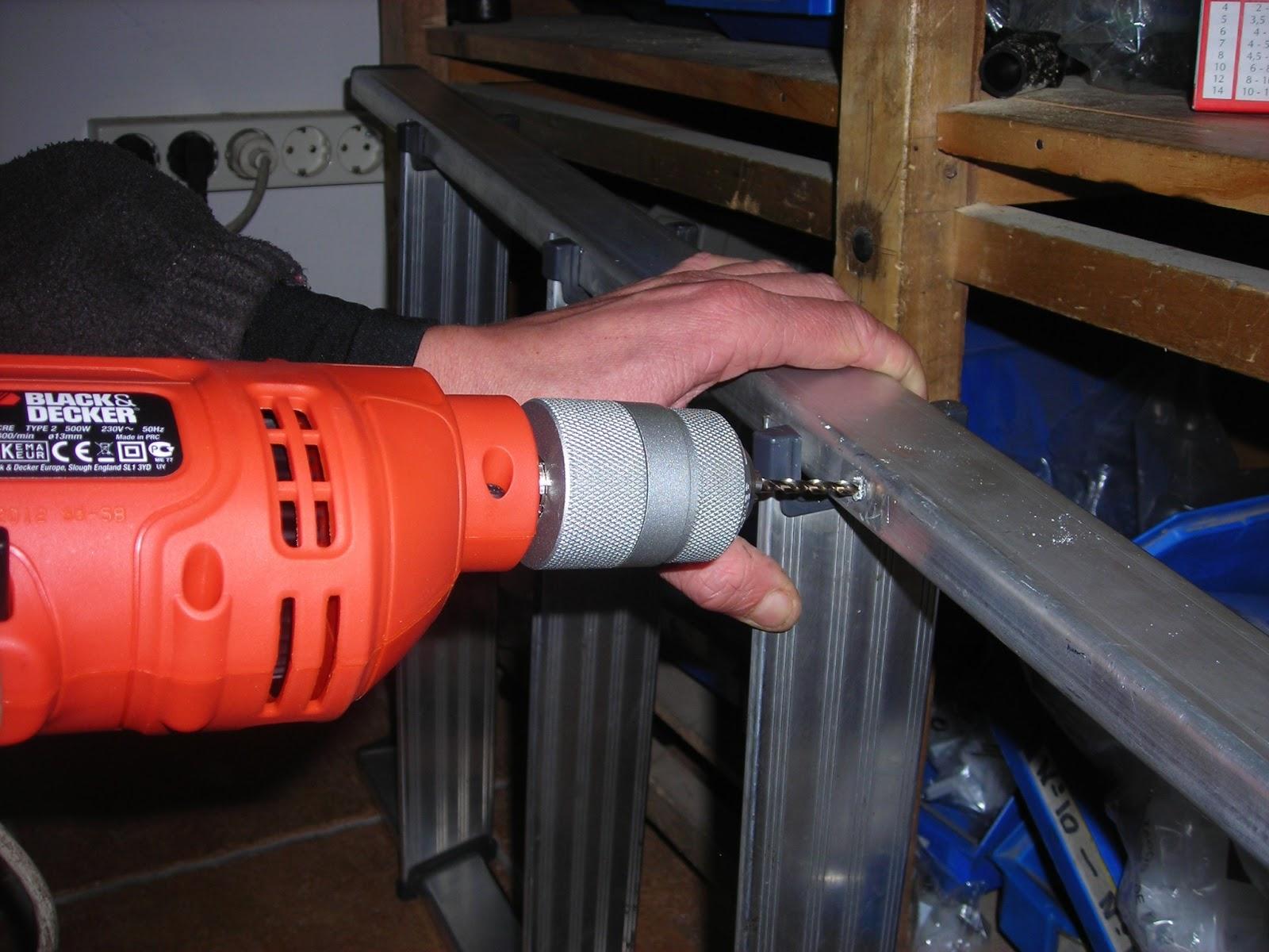 Ferreter a ferrogal como arreglar una escalera de aluminio for Escalera aluminio pequena