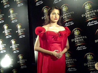 anushka sharma @blenders pride fashion red dress! hot images