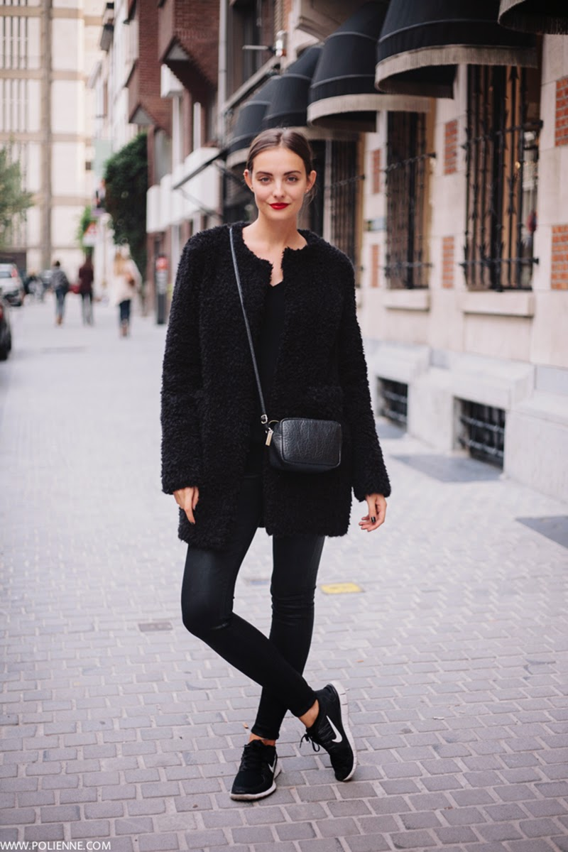 How to wear black in autumn