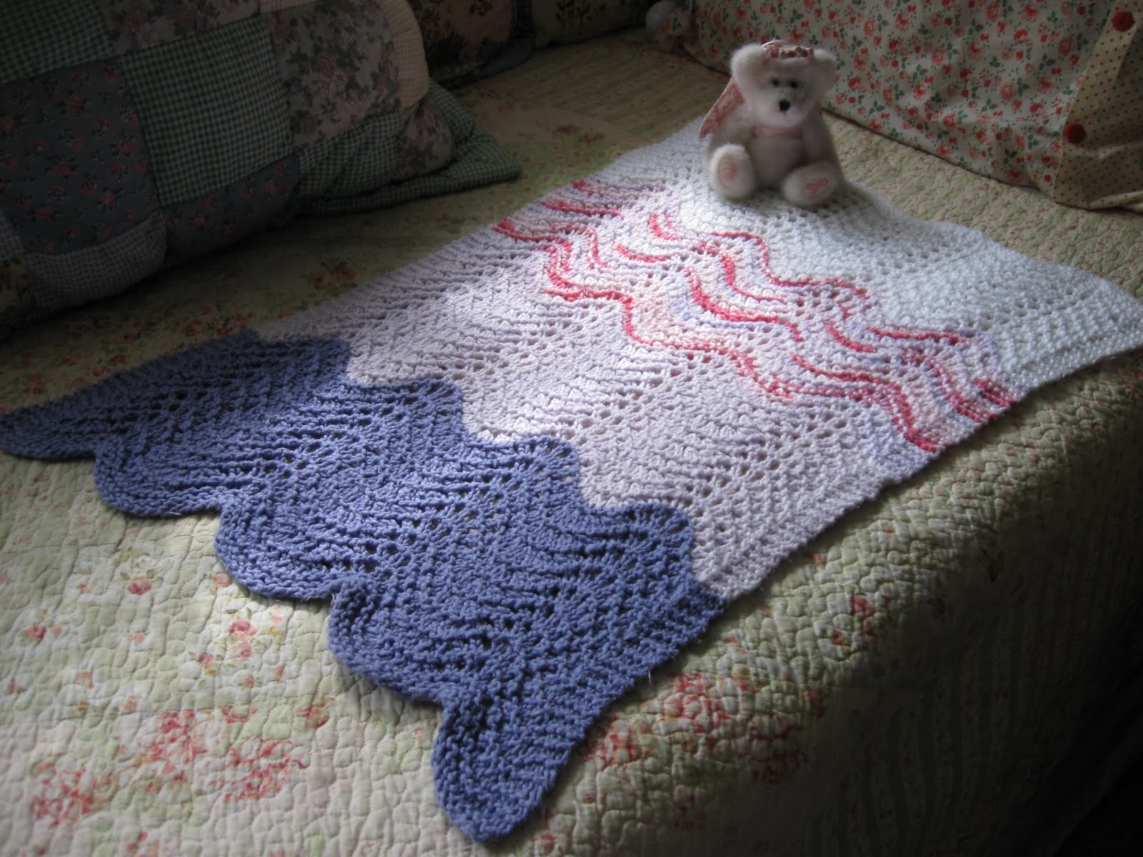 The Knitorious Mrsb Feather And Fan Baby Car Seat Wrap