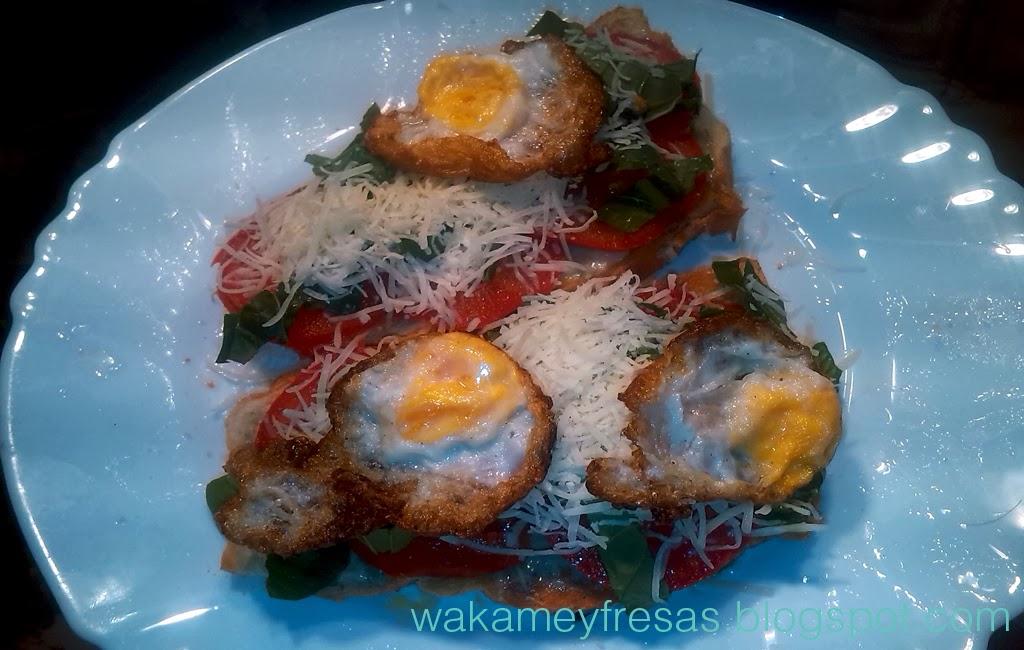 tosta de huevos de codorniz