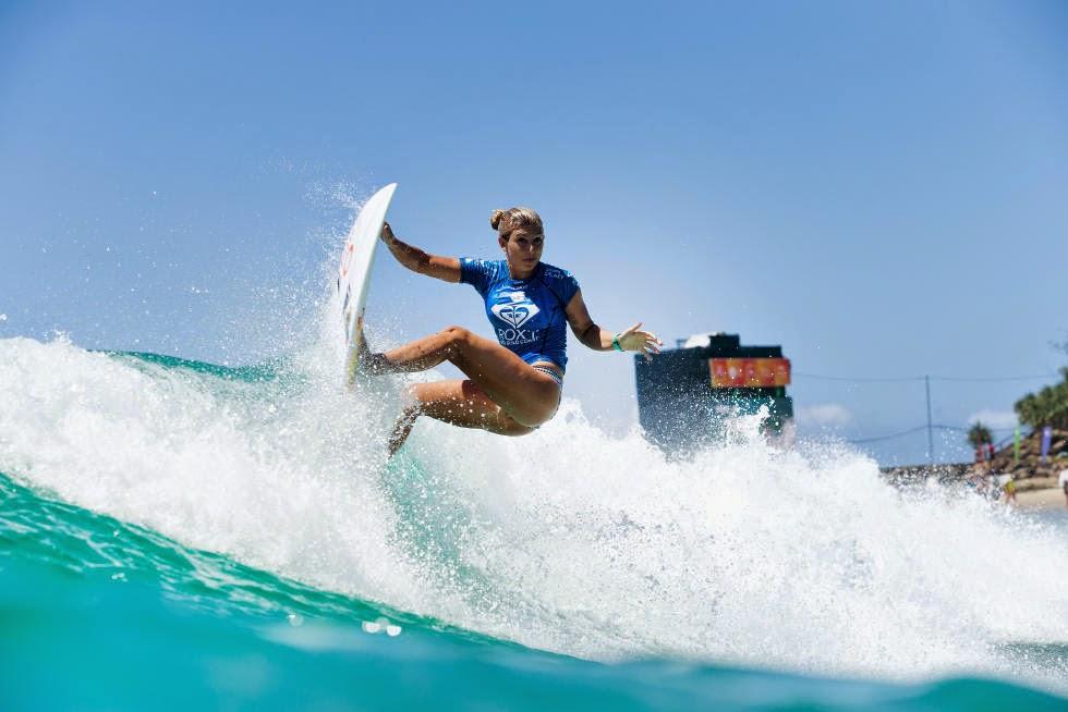 22 Roxy Pro Gold Coast 2015 Sage Erickson Foto WSL Kelly Cestari