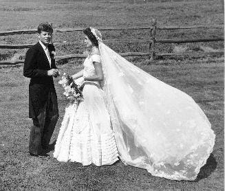 7 Most Iconic Wedding Gowns in The World: Jacqueline Kennedy Wedding Gown