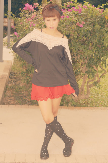 minnie mouse inspired outfit, bow, red scallop skirt, lace blouse, DIY shoes, black bow, Aiko, Hapy Friends Shoppe,silkytrend