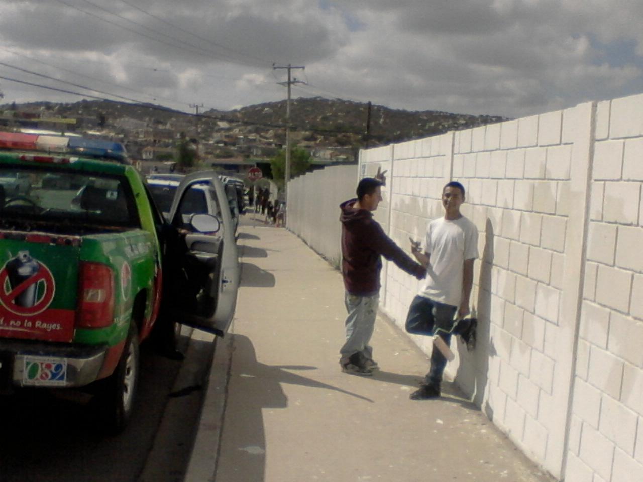 Arrasando la noticia grafiteros a pintar paredes - Programa para pintar paredes ...