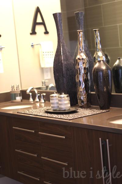 Organize bathroom drawers