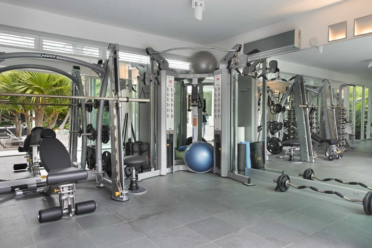 Private gym in Modern mansion in Miami
