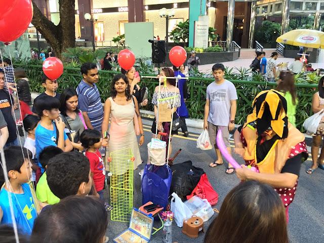 Pedestrian Night on Orchard Road - Balloon Sculptures