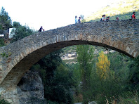 Pont de pedra sobre el Rossinyol