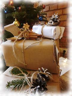 Recyklingowe pakowanie prezentów i wypiekowe last minute