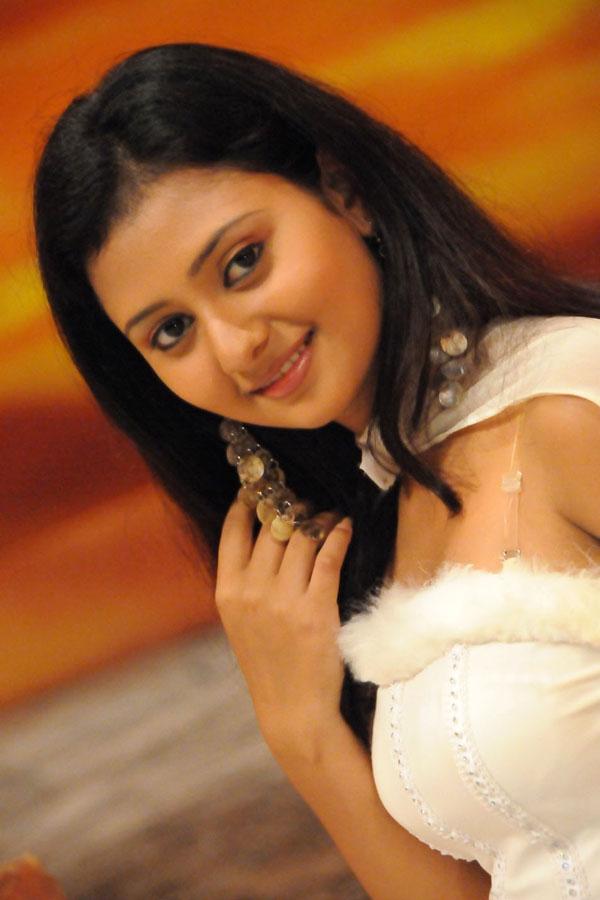 Amulya kannada actress marriage photos