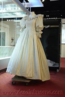 Gaun Ratu Diana