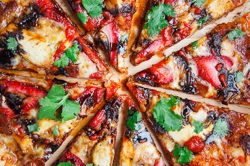 LunaOlivo Blog: Balsamic Strawberry and Chicken Pizza