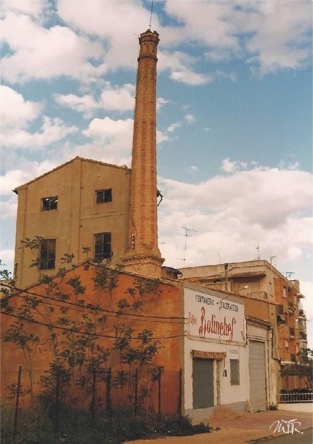 Utielanismos chimeneas industriales de ladrillo 2 - Chimenea ladrillo ...