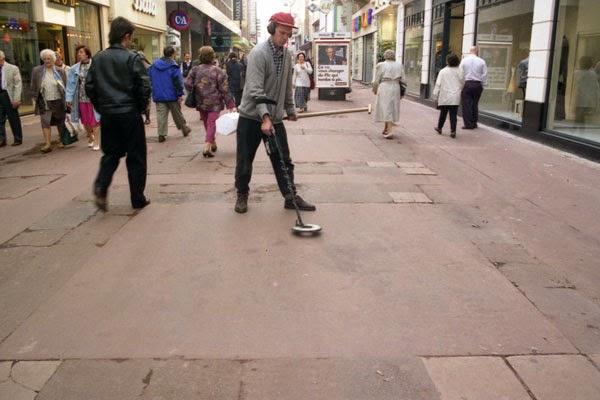 julian beever haciendo arte callejero