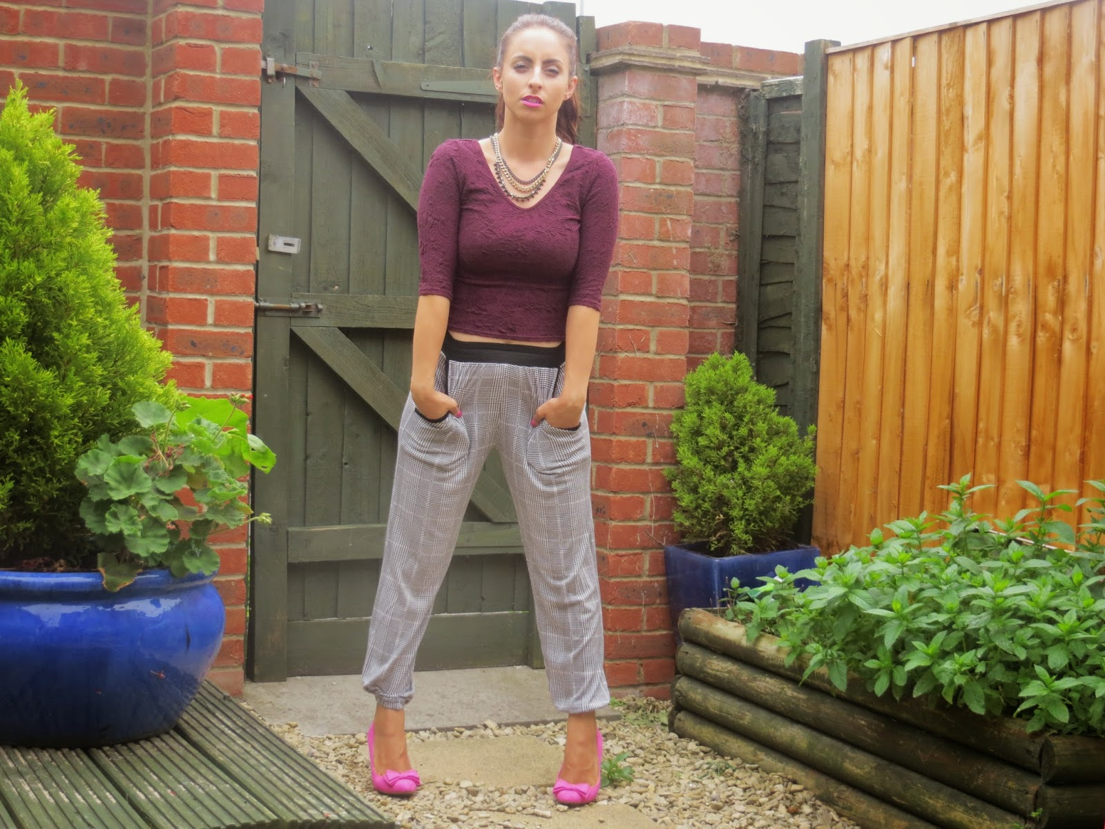 Fashion, summer inspiration, Topshop, OOTD, Boohoo, Missguided, River Island, New Look, Pretty, Pink shoes, Monochrome, outfit inspiration