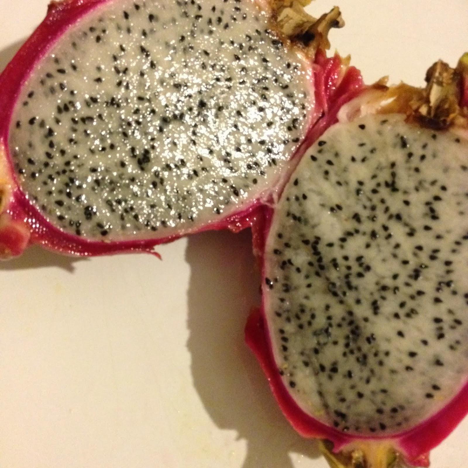 My lovely cruise les fruits exotiques sont de saison en l 39 ananas le fruit de la passion la - Comment manger une figue de barbarie ...