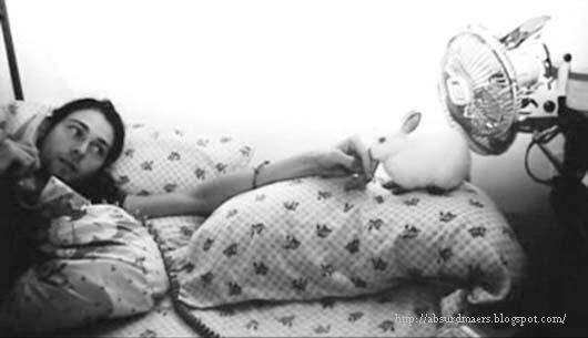 Kurt Cobain with a rabbit