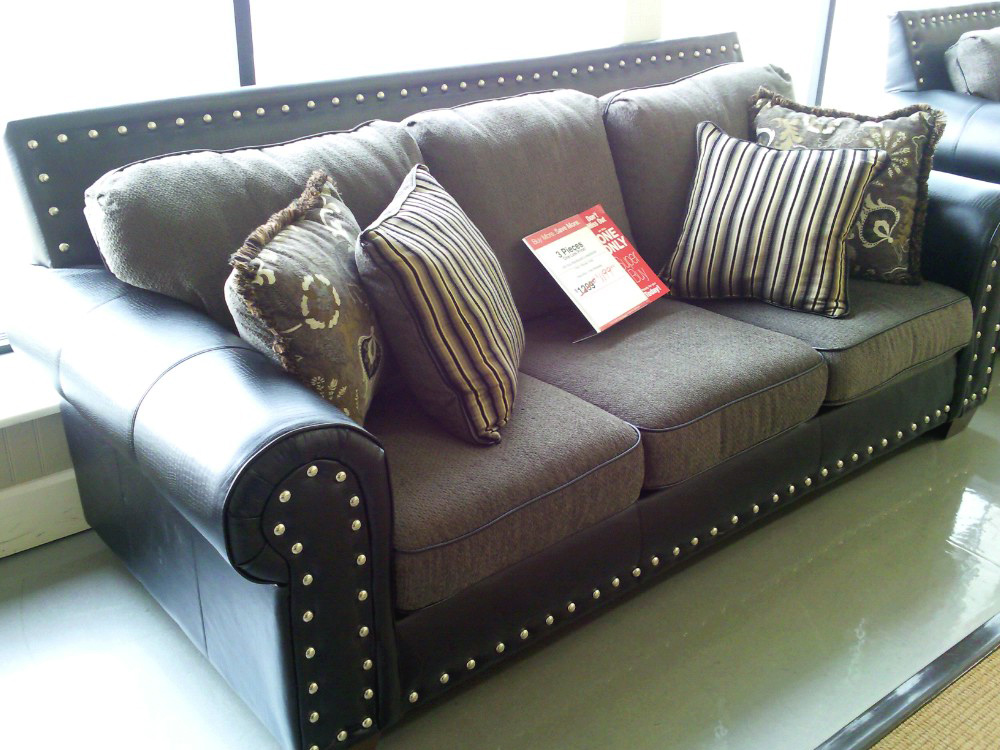 Leather sofa with studs thesofa for Leather studded couch