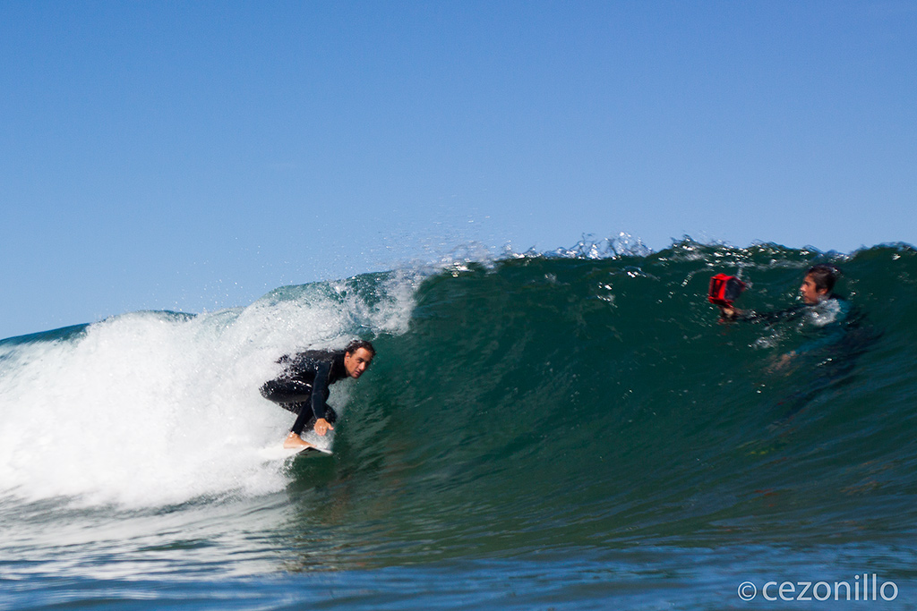 Sastre surfeando en Rodiles