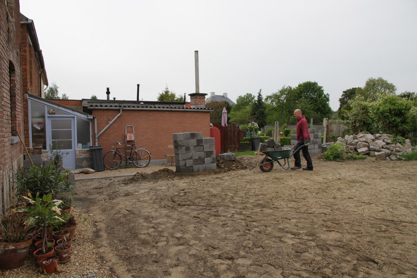 Lies & Jochen in Wakkerzeel: Donderdag 17 mei: luchtafzuiging badkamer