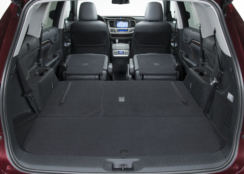 2014 Toyota Highlander cargo area