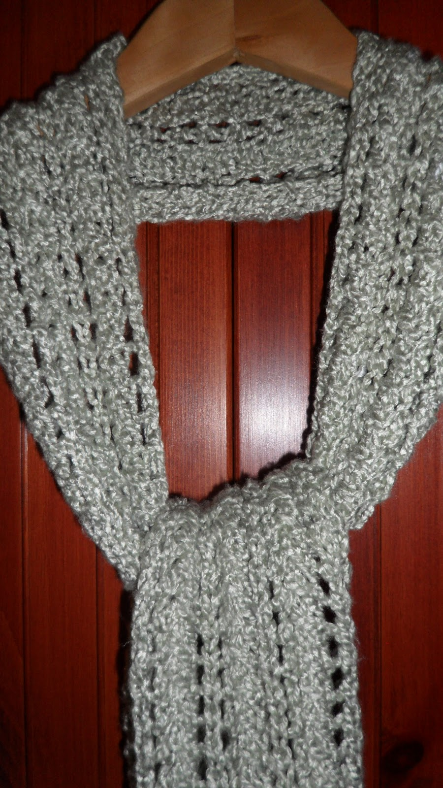 Knit Lace Stitch Scarf : stitch by stitch i knit: Easy Lace Scarf
