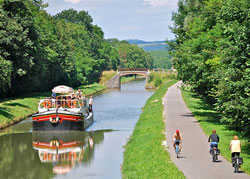 France Barge Luciole cruises in Burgundy