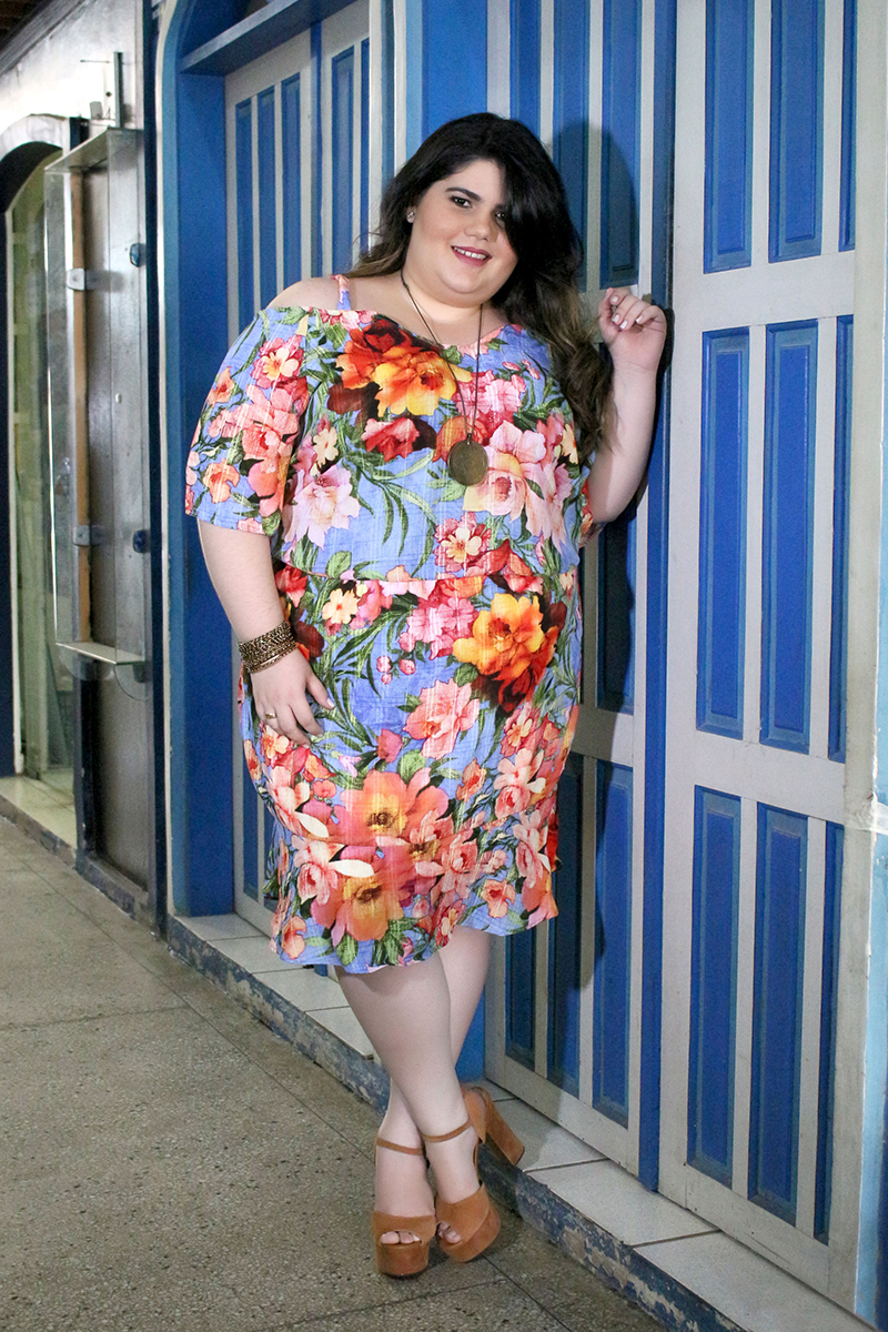 Look Plus Size Gordinha Moda GG Vestido Estampado Floral Primavera Estilo
